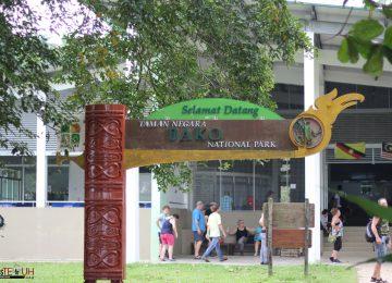 Menjelajah Taman Nasional Bako Sarawak