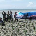 Peringati Sumpah Pemuda, Komunitas Honda Tanam Bibit Mangrove